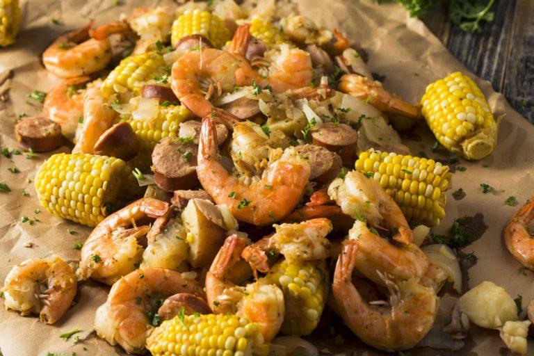 Shrimp mit Mais und Kartoffeln