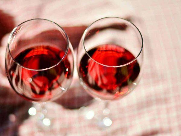 Lieblicher Rotwein: Test & Empfehlungen (01/20)